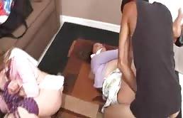 Rachel Steele violadas por el hijo de una de ellas