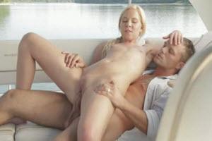 Sexo en el lago entre hermanos