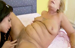 Caliente sexo lésbico entre madre e hija