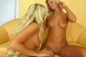 Sexys hermanas lesbianas