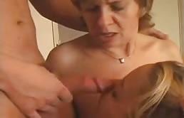 Trío madre e hijos