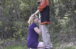 Sexo al aire libre entre primos