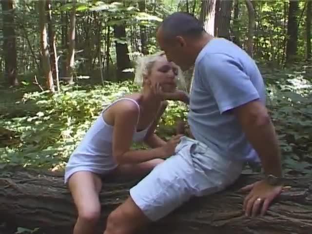 porno gay abuelos follando en el bosque