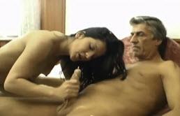 Quiere sexo con su hija
