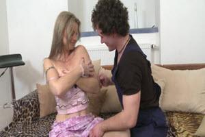 Quiere sexo con su hijo