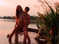 Hermanos tienen sexo en el lago